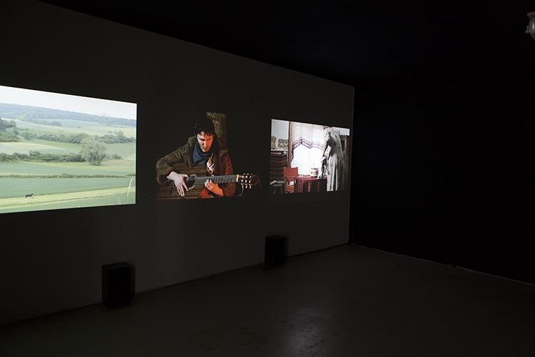Rückblick: Verlorene Paradiese (Three channel video installation by Ana Esteve Reig, 2011)